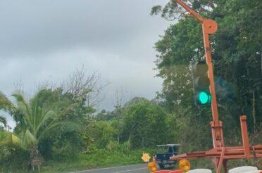 Temporary Signal Installation on Hāna Highway at Mile 3